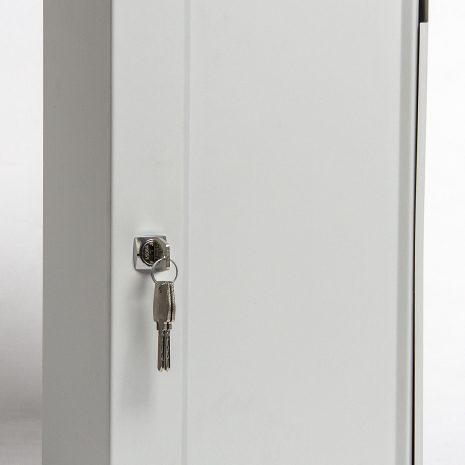 Voorkant en zijkant deur dicht